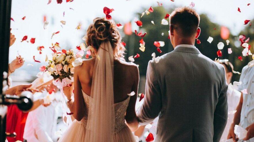Masrafları yüzünden çiftler evlilikten kaçınıyor