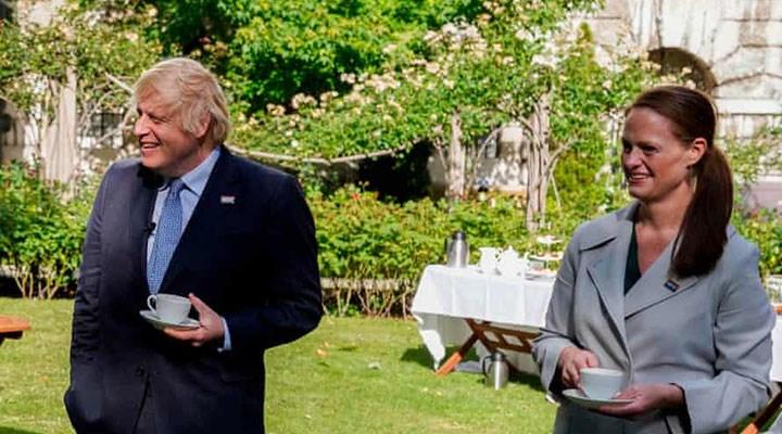 Hastayken Boris Johnson'a bakan hemşire, hükümetin 'mesleğe saygısızlığı' nedeniyle istifa etti