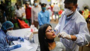 Hindistan'da Covid: Günlük vaka sayısı 410 bini geçti