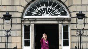 İskoçya'da seçimlerden sonra gündem bağımsızlık referandumu