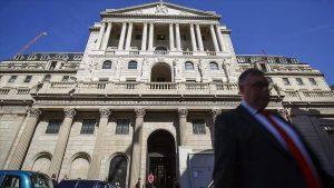 İngiltere Merkez Bankası politika faizini değiştirmedi