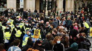 Londra'da polise daha fazla yetki veren yasa tasarısı protesto edildi