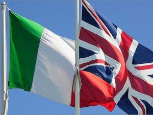 İtalya, İngiltere'den geleceklere 5 günlük karantina şartı getirdi