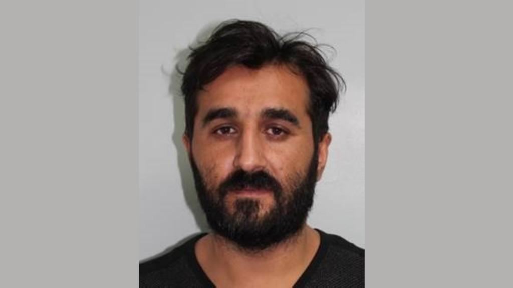 Hakan Zengin 17 göçmeni İngiltere'den kaçırmakla suçlu bulundu
