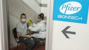 Moderna ve Pfizer-BioNTech aşısıyla kalpte iltihaplanma arasında bağlantı var