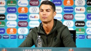 Ronaldo'dan Coca Cola'ya 4 milyar dolarlık darbe