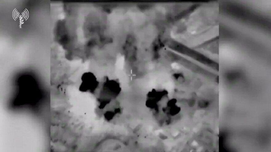 Gazze'ye havadan saldırdılar