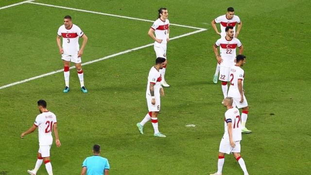 İngiliz basını, Milli Takım'ın EURO 2020 performansıyla alay etti