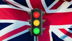 İngiltere'de hükümete 'yeşil liste' ve destek baskısı