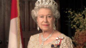 Oxford öğrencileri, kraliçenin portresini sömürgeciliği temsil ettiği gerekçesiyle kaldırdı