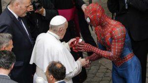 'Örümcek Adam', Papa Fransis ile görüştü