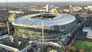 Londra futbol kulüpleri 18 yaş üstü gençlerin aşılanması için kampanyaya destek oldu