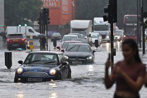 Sel felaketi İngiltere'ye sıçradı