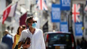 """İngiltere'de """"maske takma zorunluluğu"""" kalkıyor"""
