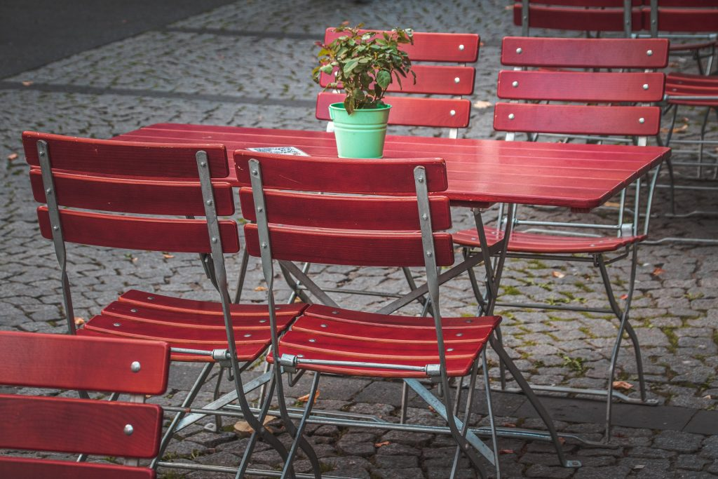 Al fresco dining to become a High Street fixture in England