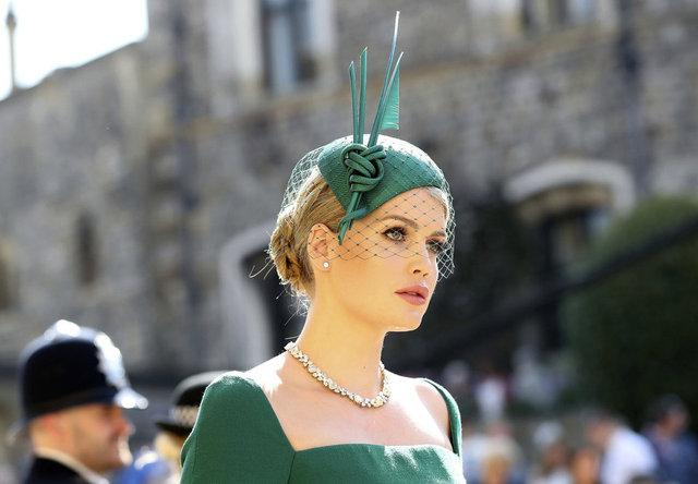 Prenses Diana'nın yeğeni Lady Kitty Spencer, Michael Lewis ile evlendi