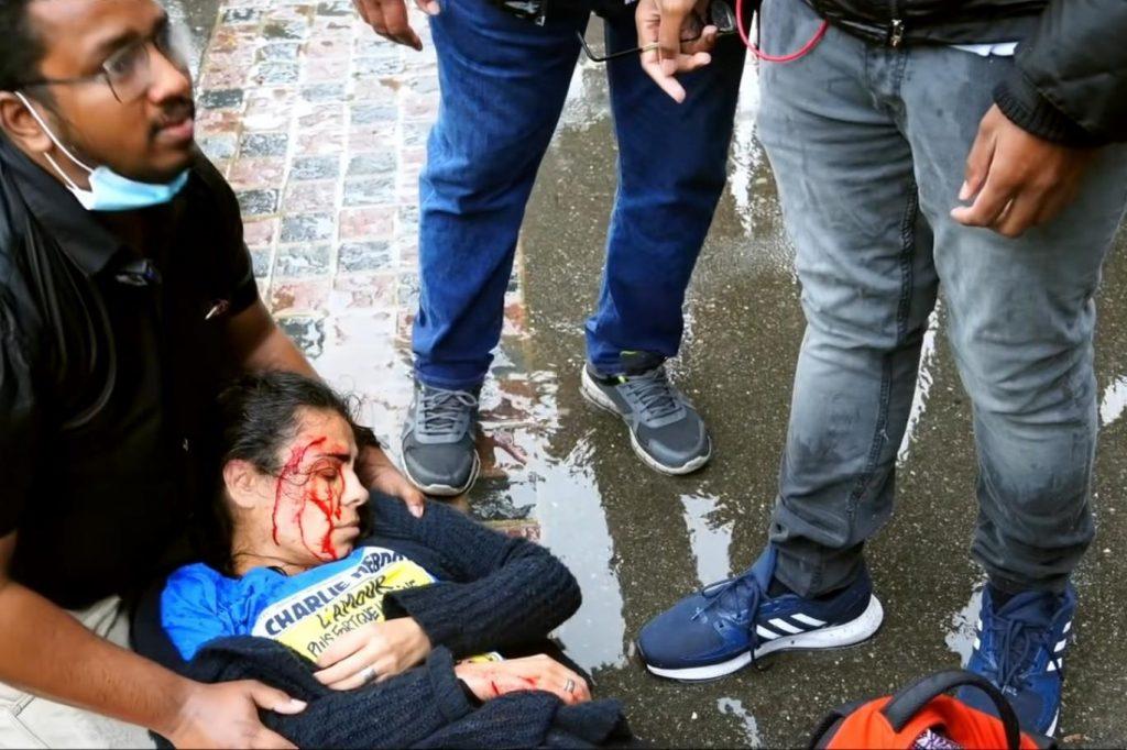 Charlie Hebdo tişörtü giyen Türk Evanjelist Londra'da saldırıya uğradı