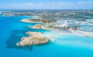 Avrupa'dan Güney Kıbrıs'a 'kırmızı liste' şoku
