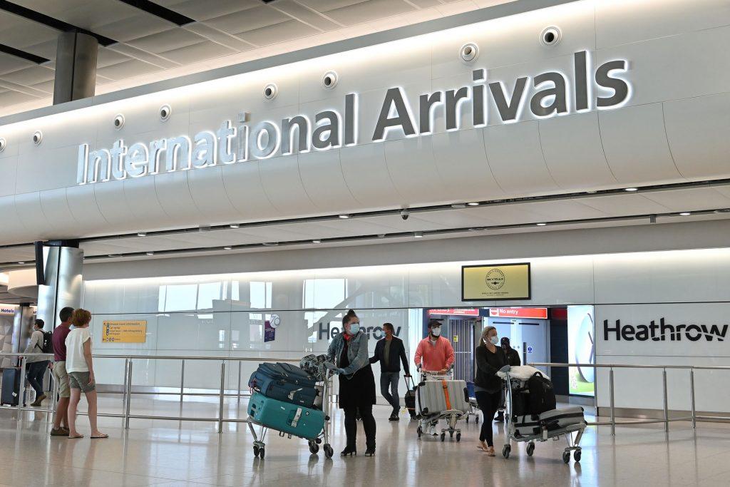 Türkiye, İngiltere'nin 'kırmızı seyahat listesi'nde kalmaya devam etti