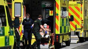 İngiltere'de vaka sayısı hızla artmaya devam ediyor