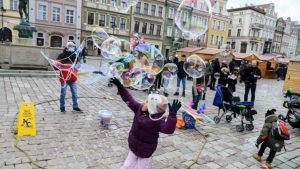 Polonya'da ikiden fazla çocuk doğurana para verilecek