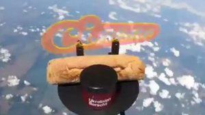 Süpermarket zincirinden ilginç reklam: Uzaya çorba ve ekmek gönderildi