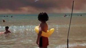 """Rus turistin Antalya'da çektiği fotoğraf dünya basınında; """" fotoğraf 'deki  fotoğraf ları anlatan kare"""""""