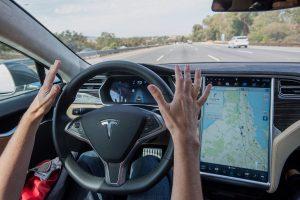 Tesla'nın otopilot sistemine güvenlik soruşturması