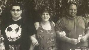 12 saat arayla iki oğlunu koronavirüs nedeniyle kaybetti