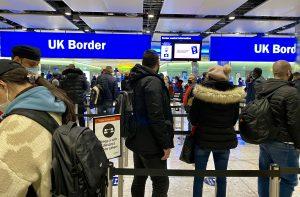Heathrow'da yolcu ücretlerine artış yapılabilir