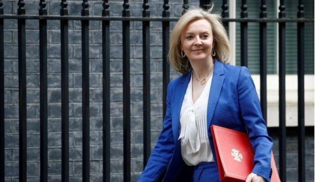 Liz Truss: İngiltere'nin tarihindeki ikinci kadın dışişleri bakanı