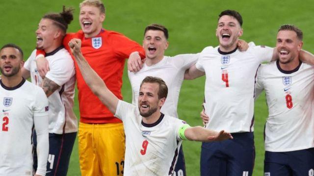 İngiltere, Macaristan'dan 3 puanla döndü
