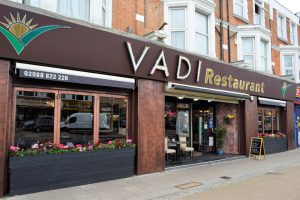 Özel günlerinizi Londra'nın lezzet durağı Vadi Restaurant'ta kutlayın