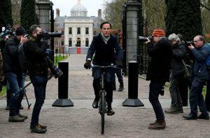 Hollanda Başbakanı Rutte, kokain mafyasının tehdidi sonrası sıkı korumaya alındı