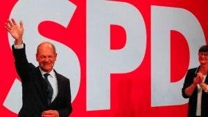 Almanya'da resmi geçici sonuçlara göre birinci parti olan SPD'nin adayı Olaf Scholz, koalisyonu kimlerle kuracağını açıkladı