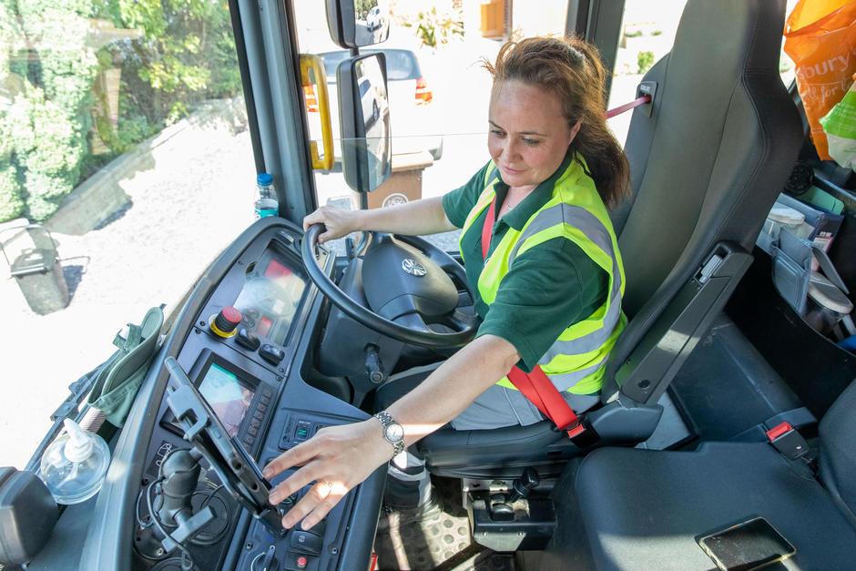 İngiltere'den kamyon şoförü sıkıntısına yeni çözüm
