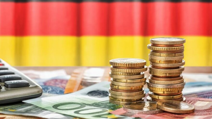 Almanya'da milyonerler varlıklarını İsviçre'ye taşıyor