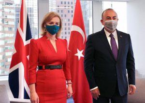Mevlüt Çavuşoğlu İngiltere için duyurdu: Aşı sertifikaları karşılıklı tanınacak