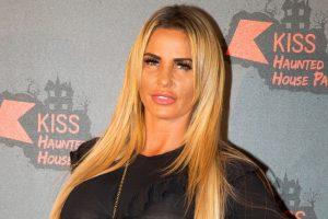 Saldırıya uğrayan İngiliz yıldız Katie Price Türkiye'ye gitti