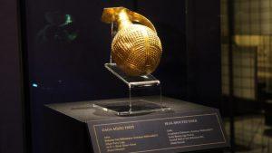 İngiltere, 4 bin 250 yıllık altın gaga ağızlı testiyi Türkiye'ye iade etti