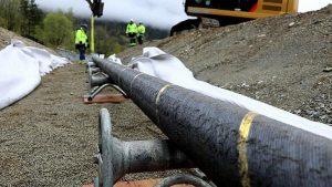 Norveç ve İngiltere arasındaki 'dünyanın en uzun elektrik iletim hattı' çalışmaya başladı