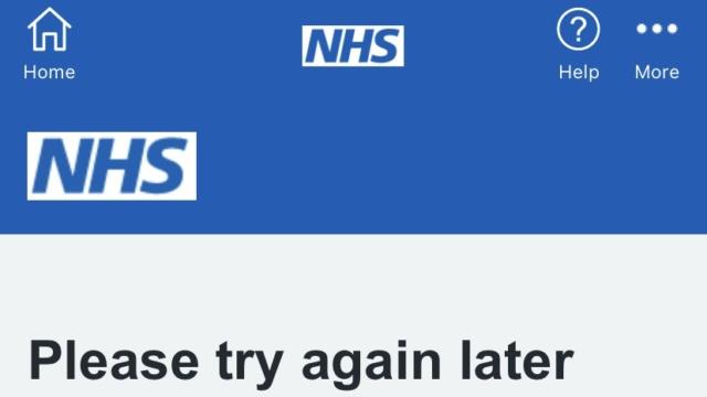 NHS Covid: Uygulama ve web sitesi çalışmıyor, yolcular aşı durumunu kanıtlayamıyor