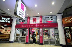 'Şüpheli paket' sonrasında Wood Green alışveriş merkezi tahliye edildi