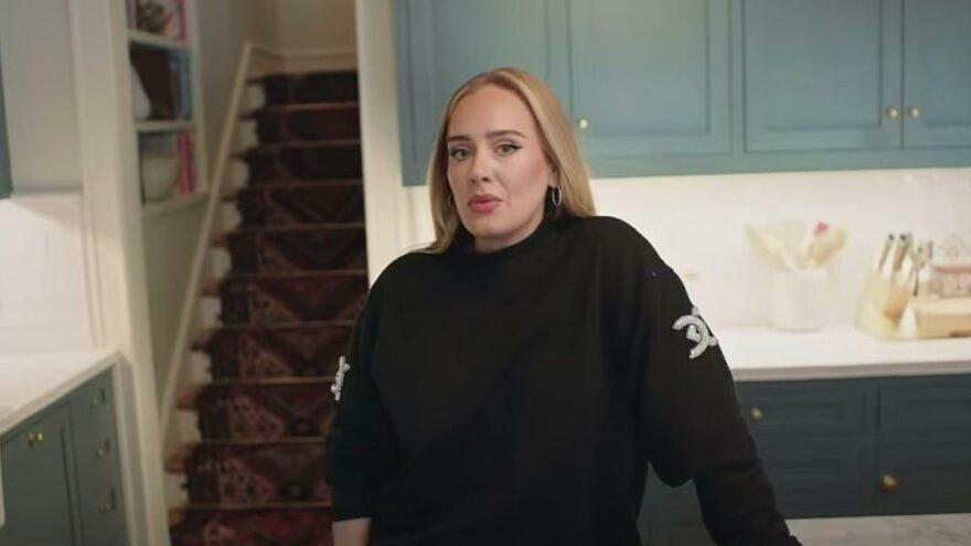 Adele 9.5 milyon dolarlık evinin kapılarını ilk kez açtı