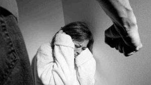 İngiltere ve Galler'de ev içi şiddet dosyaları kapatılıyor