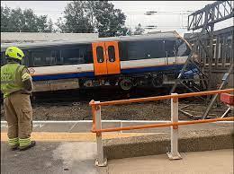 Londra istasyonunun bariyerlerine çarpan tren sürücüsü 'kokain kullanıyordu'