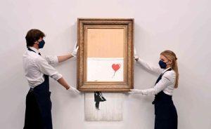Banksy'nin parçalanan eseri 18,5 milyon sterline satıldı